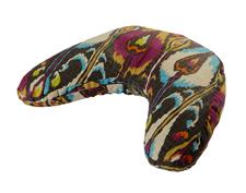 v-shaped-cushion_bohemian-ikat_small