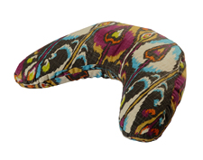v-shaped-cushion_bohemian-ikat_small